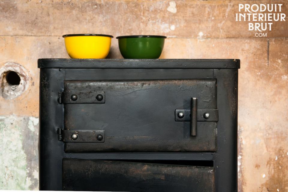 meuble de rangement bas vintage idéal en meuble de télévision