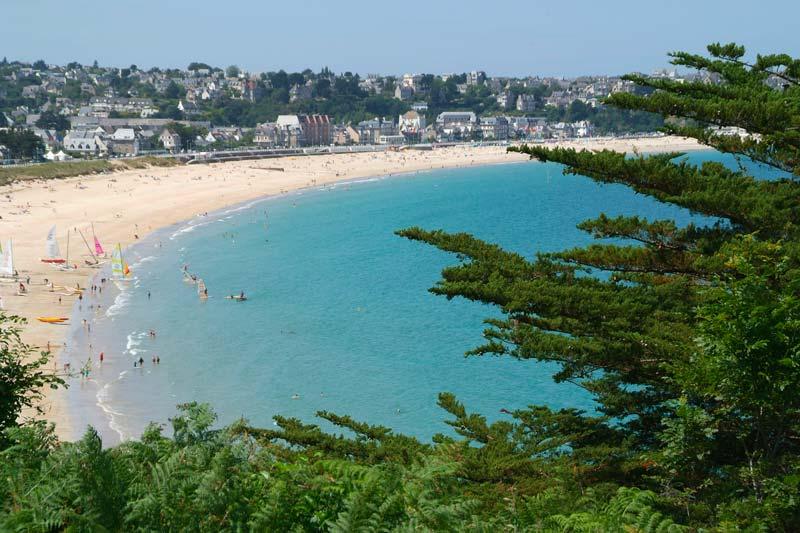 Où est le camping Bretagne de bord de mer du Château de Galinée de Saint-Cast-le-Guildo… ?